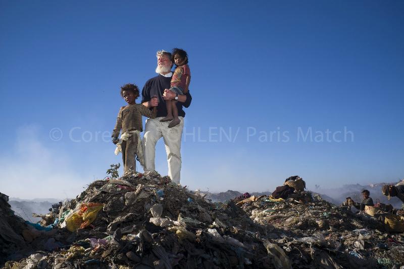 © Corentin Fohlen/ Paris Match. septembre 2014. Tananarive, Madagascar. Association AKAMASOA du Pere Pedro Opeka, a Madagascar.